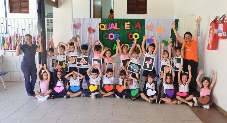 Quarta Cultural - Infantil V - Qual é a cor do amor?